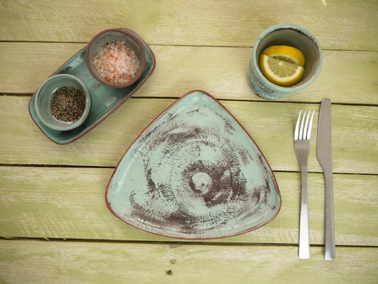 tri-plate medium, with cruet and beaker on table, top view,Stoneware,Slip and glaze,Weathered Range,SKnight