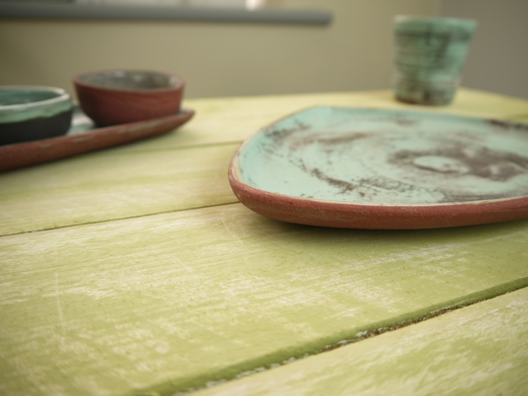 tri-plate detail of side view, on table,Stoneware,Slip and glaze,Weathered Range,SKnight